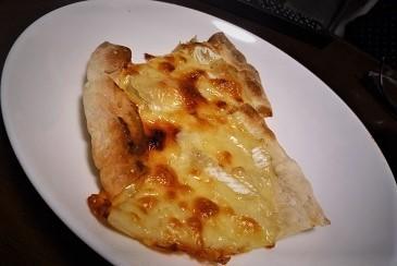 手作りピザです
