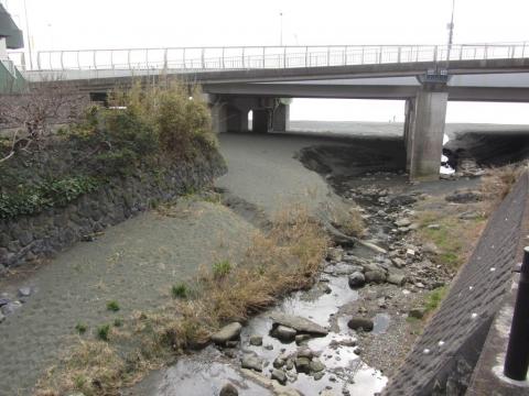 鴫立沢河口