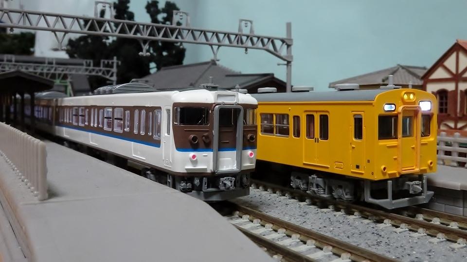 115-2000系 N40 アイボリー 105系末黄色