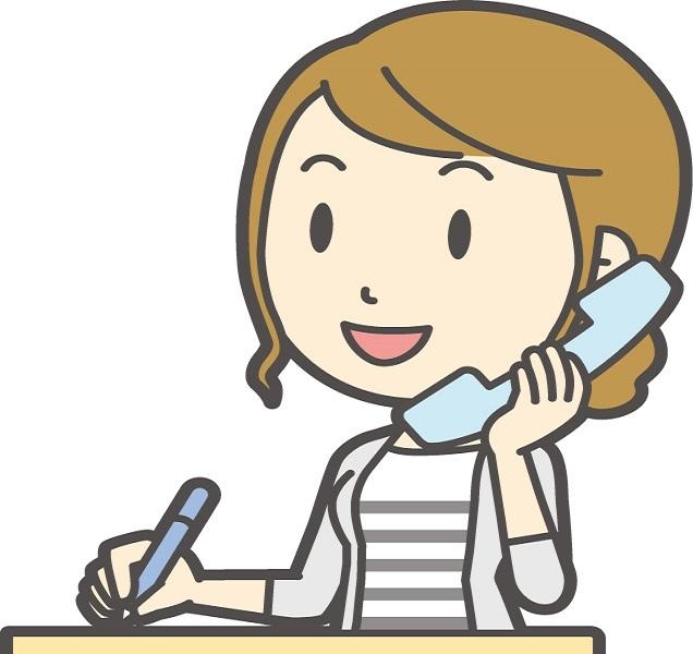 電話する主婦