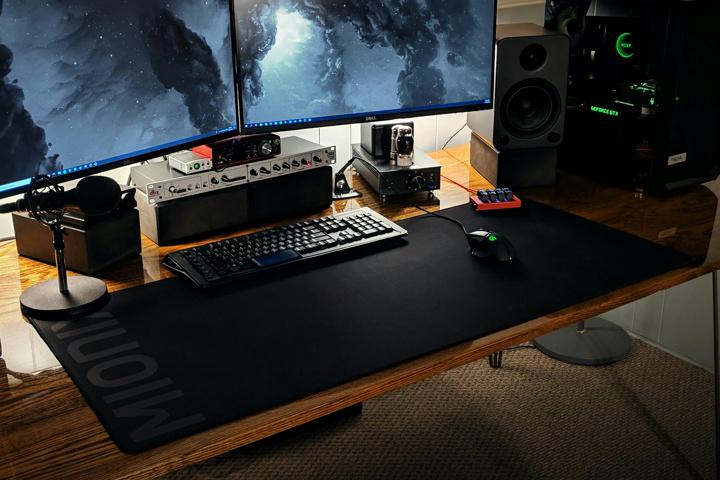 1200mm_Gaming_Mousepad_08.jpg