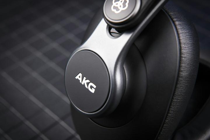 AKG_K371-Y3_04.jpg