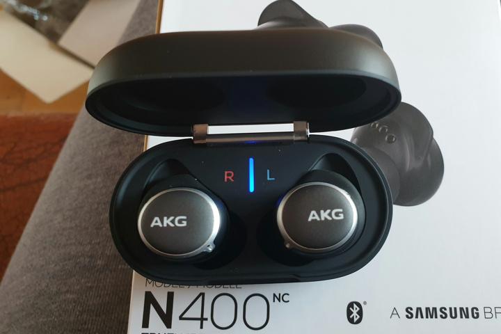 AKG_N400_07.jpg