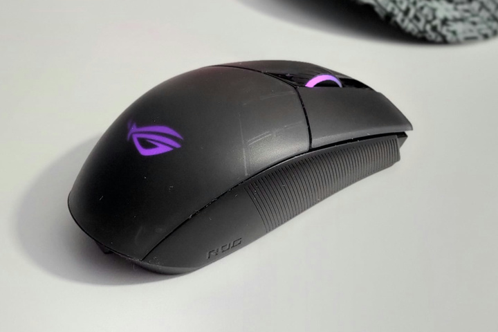 ASUS_ROG_Strix_Impact_II_Wireless_03.jpg