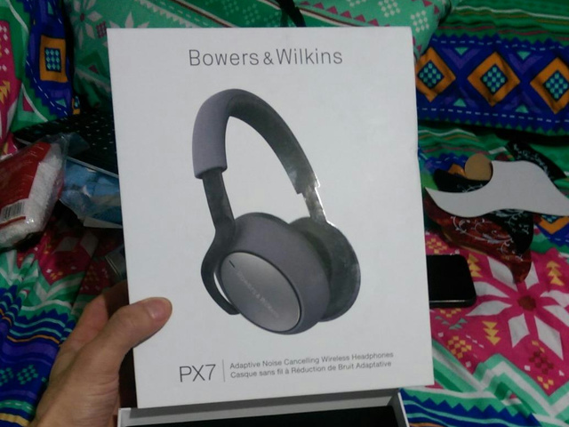 Bowers_and_Wilkins_PX7_01.jpg