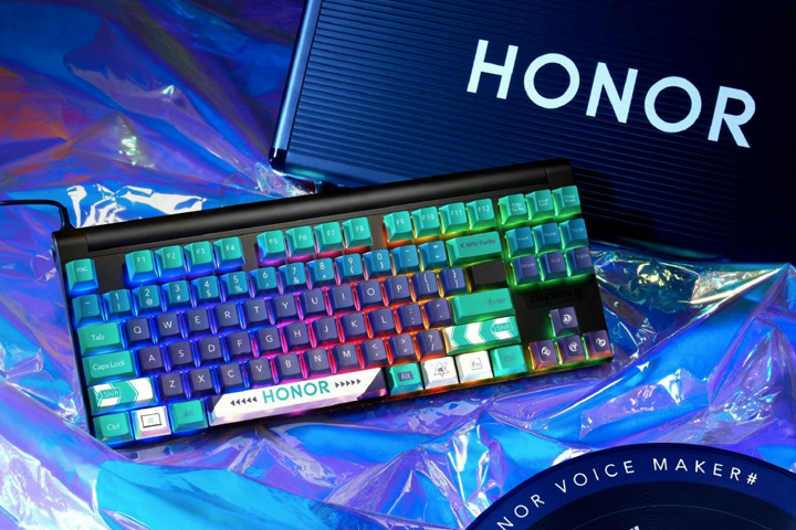 CHERRY_HONOR_Mechanical_Keyboard_05.jpg