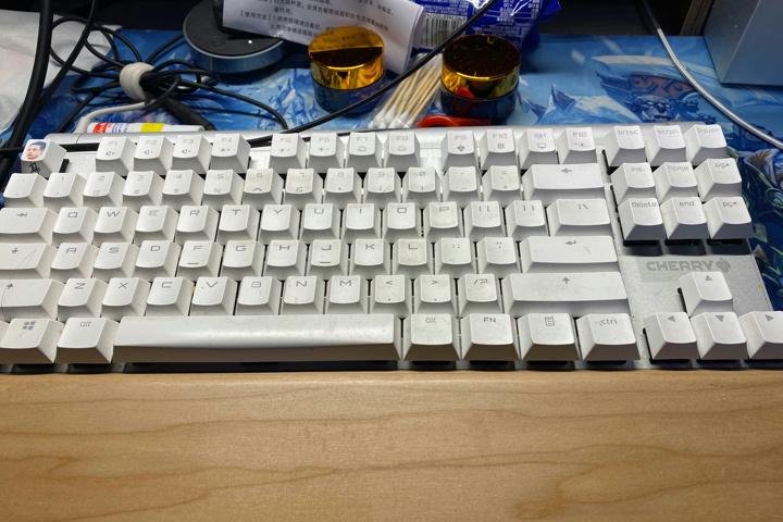 CHERRY_PIKACHU_KeycapSet_03.jpg