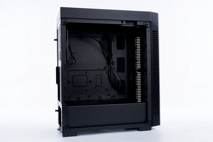 Corsair_110R_Tempered_Glass_10.jpg