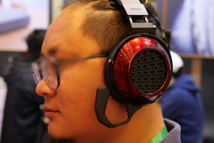 FOSTEX_TM2_Headphones_04.jpg