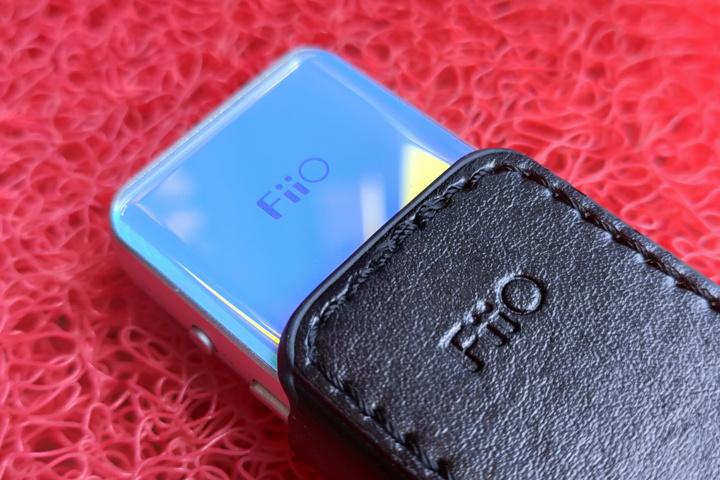 FiiO_BTR5_Blue_06.jpg
