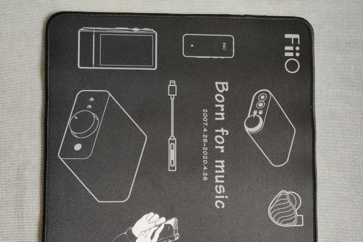 FiiO_MousePad_03.jpg