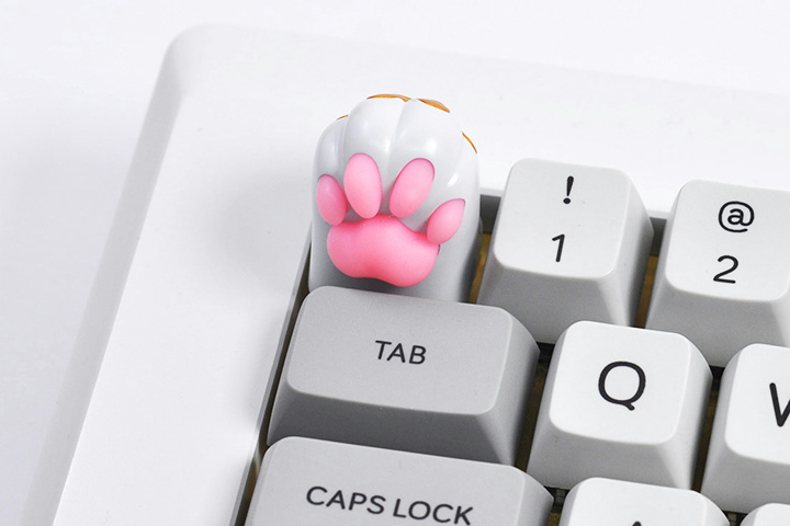 HolyOOPS_Cat_Keycap_05.jpg