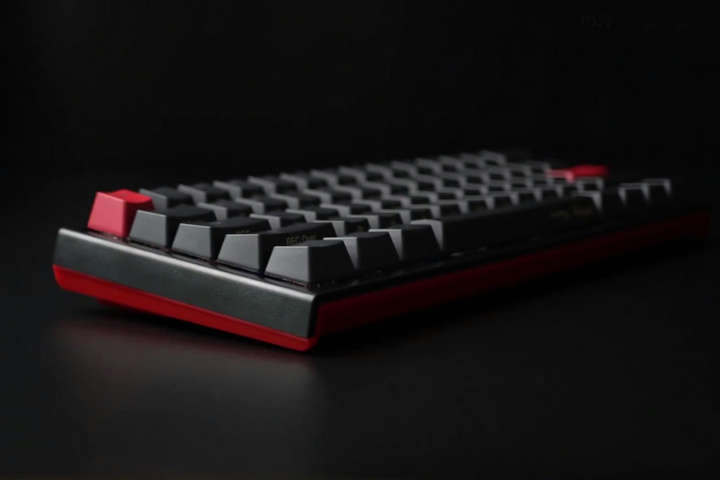 HyperX_Ducky_One_2_Mini_03.jpg
