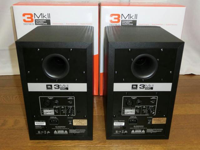 JBL_305P_MkII_03.jpg