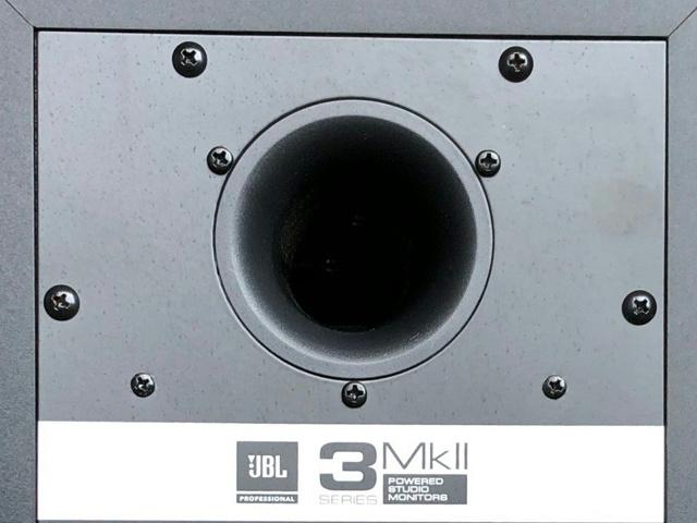 JBL_305P_MkII_07.jpg