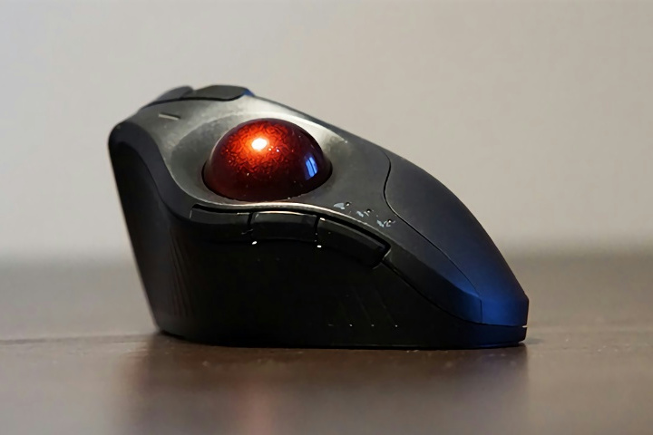Kensington_Pro_Fit_Ergo_Vertical_Wireless_Trackball_02.jpg