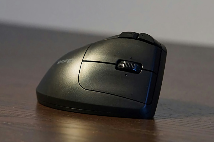 Kensington_Pro_Fit_Ergo_Vertical_Wireless_Trackball_03.jpg