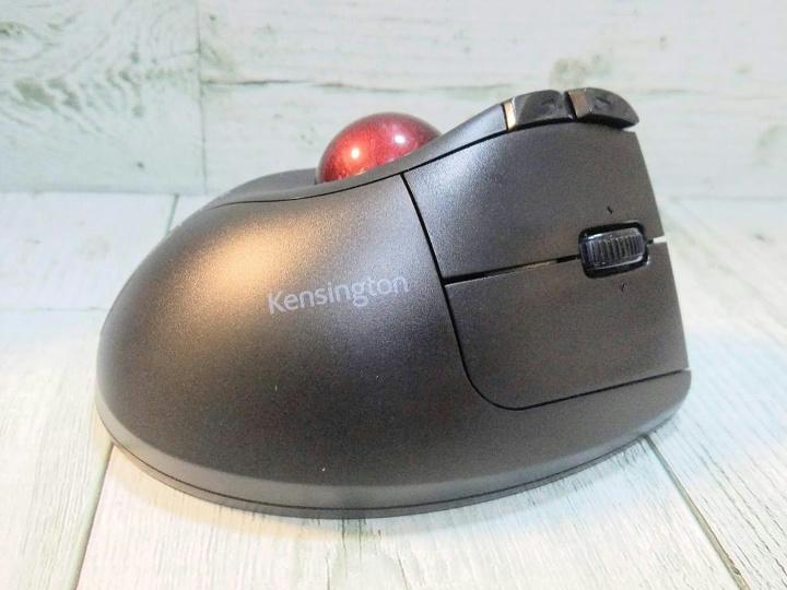 Kensington_Pro_Fit_Ergo_Vertical_Wireless_Trackball_12.jpg