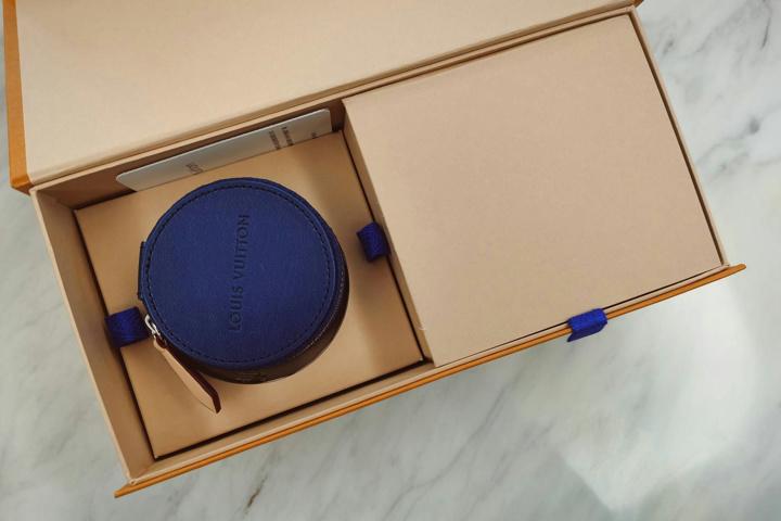 Louis_Vuitton_Horizon_Earphones_03.jpg