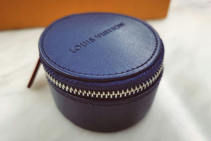 Louis_Vuitton_Horizon_Earphones_04.jpg