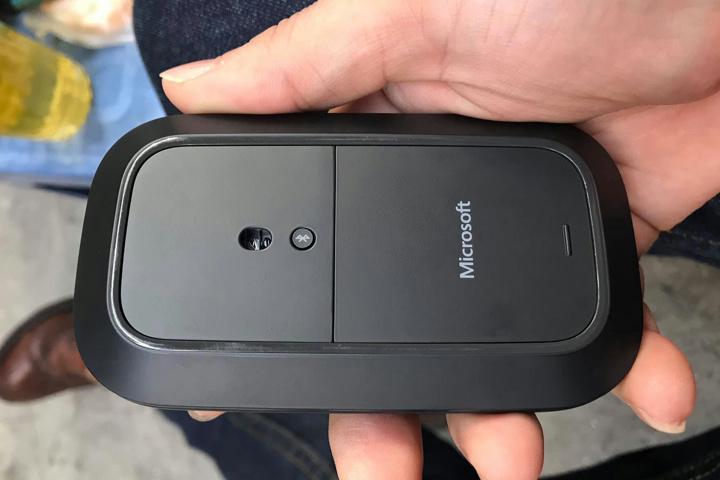 Microsoft_Modern_Mobile_Mouse_Sale_05.jpg