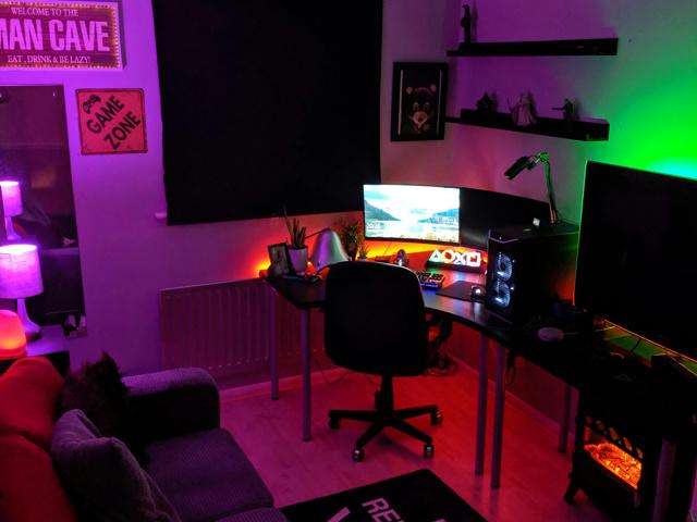 PC_Desk_171_03.jpg