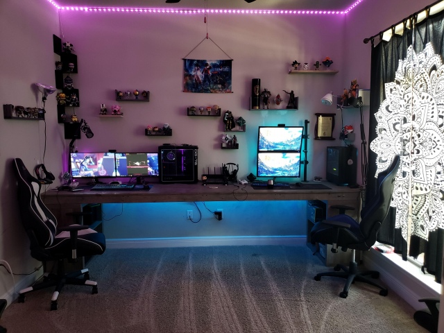 PC_Desk_171_09.jpg