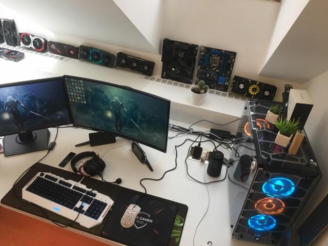 PC_Desk_171_13.jpg