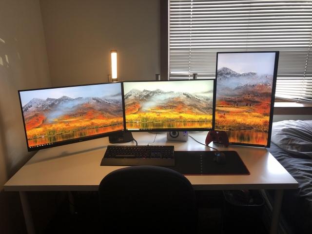 PC_Desk_171_15.jpg