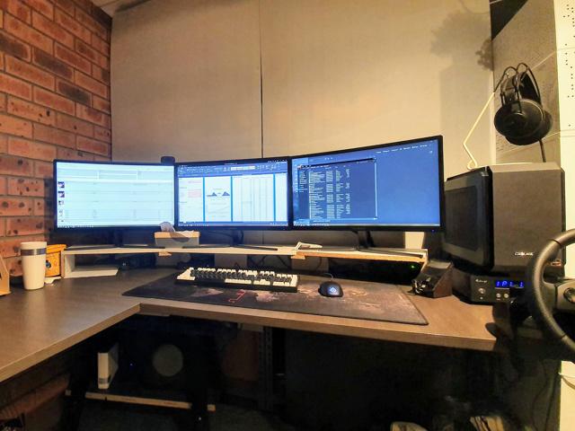 PC_Desk_171_45.jpg