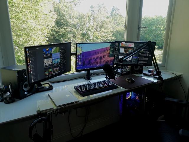 PC_Desk_171_47.jpg