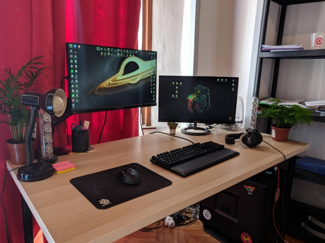 PC_Desk_171_52.jpg