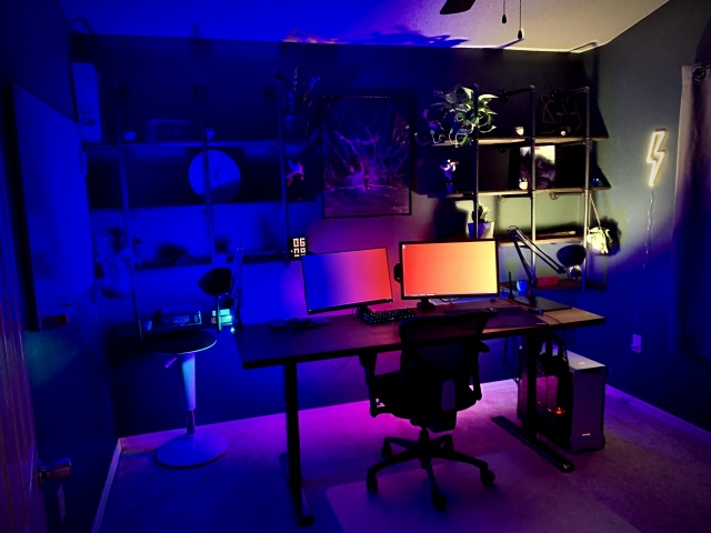 PC_Desk_171_57.jpg