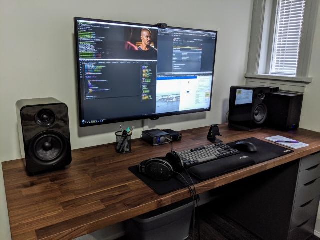 PC_Desk_171_58.jpg