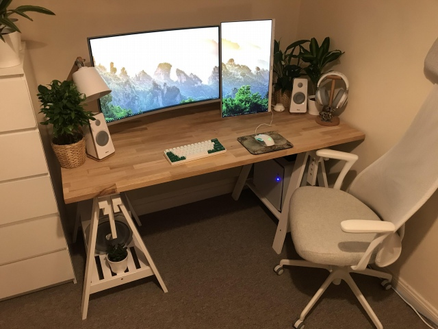 PC_Desk_171_74.jpg