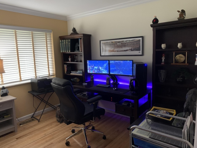 PC_Desk_171_78.jpg