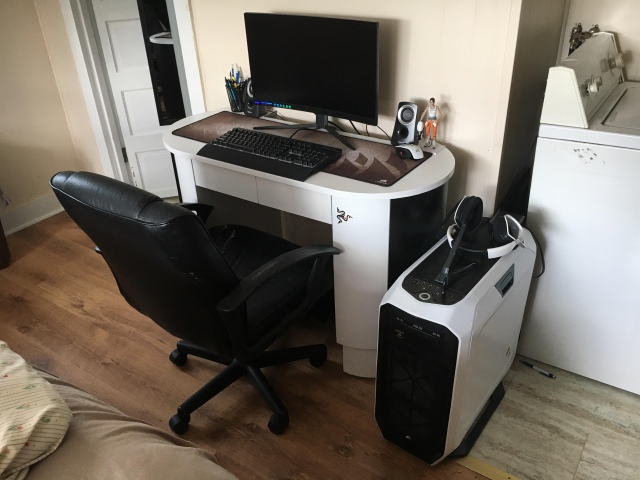 PC_Desk_171_98.jpg