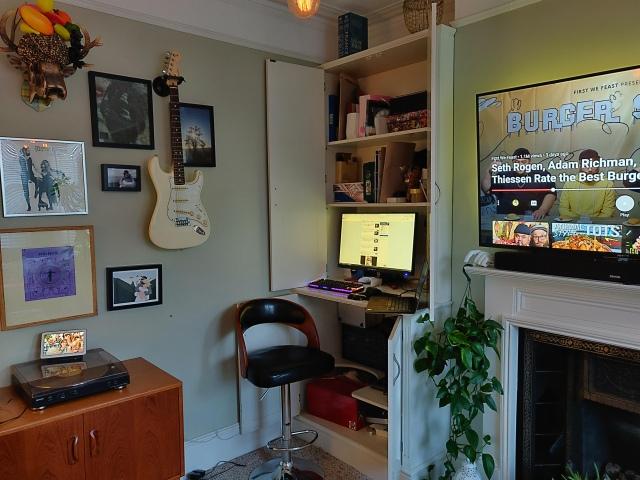 PC_Desk_172_09.jpg