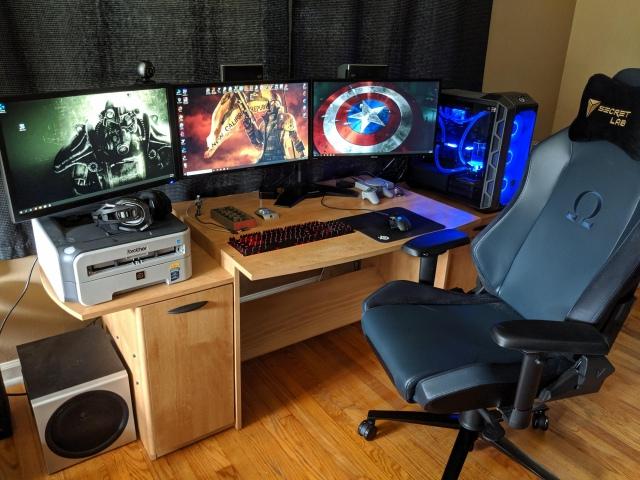 PC_Desk_172_16.jpg