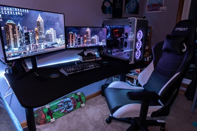 PC_Desk_172_18.jpg