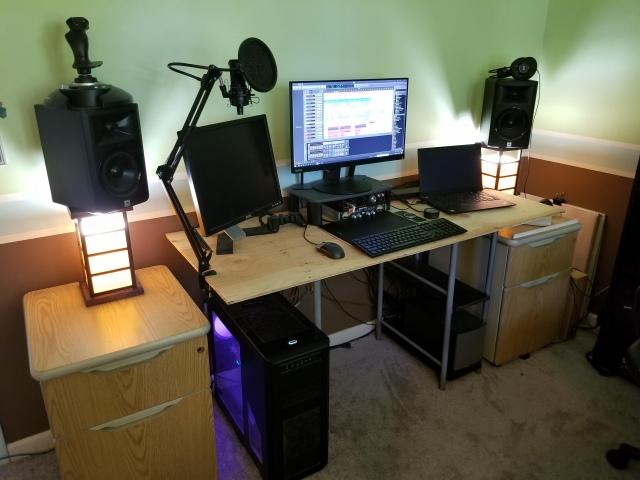 PC_Desk_172_20.jpg