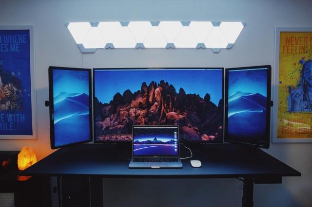 PC_Desk_172_21.jpg