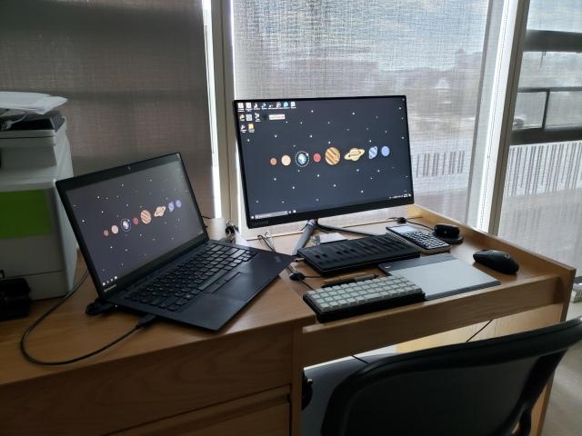 PC_Desk_172_22.jpg