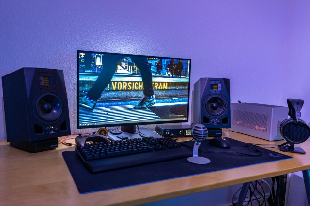 PC_Desk_172_23.jpg