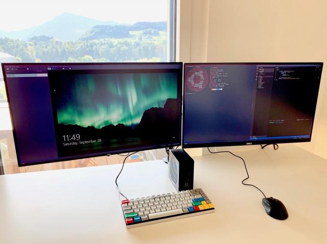 PC_Desk_172_28.jpg