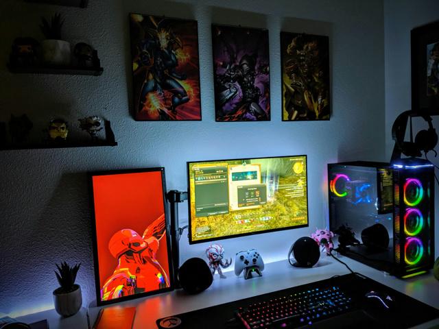 PC_Desk_172_33.jpg