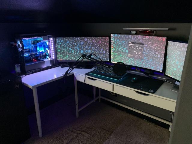 PC_Desk_172_45.jpg