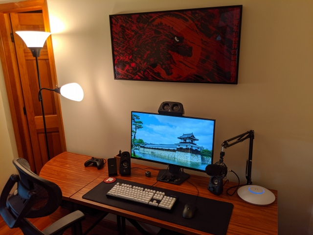PC_Desk_172_49.jpg