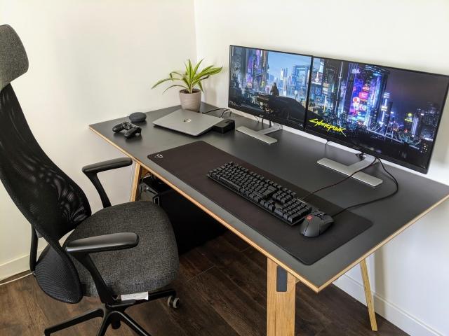 PC_Desk_172_57.jpg