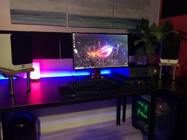 PC_Desk_172_78.jpg